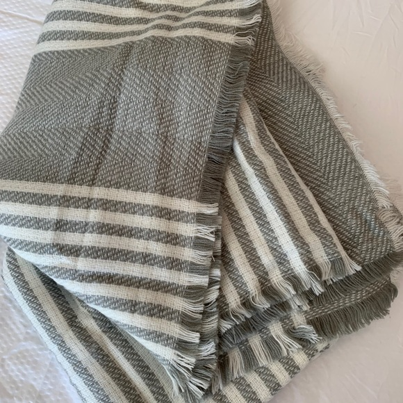 Grey and white scarf